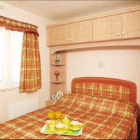 Porth holiday home double bedroom