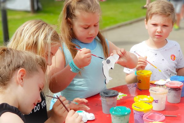 Party in the Park Tribute Festival 2019 pottery painting